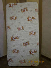 Продаю матрац в детскую кровать