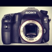 Продам фотоаппарат Sony Alpha SLT A-77 Body